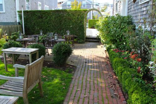 11 N Water Street, Nantucket, Massachusetts 02554, United States.