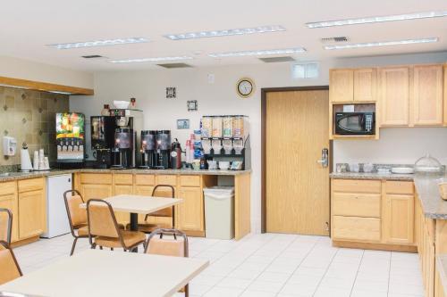 Guesthouse Inn Bellingham - Bellingham, WA 98229