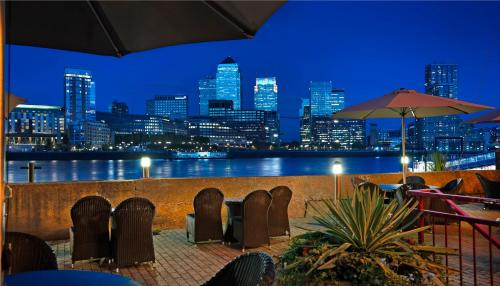 DoubleTree by Hilton London – Docklands Riverside photo 2