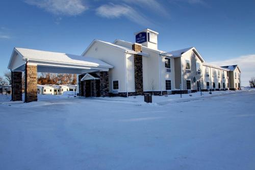 Cobblestone Inn Rugby - Rugby, ND 58638