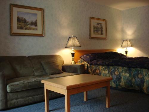 Heritage Inn - Hope, BC V0X 1L0