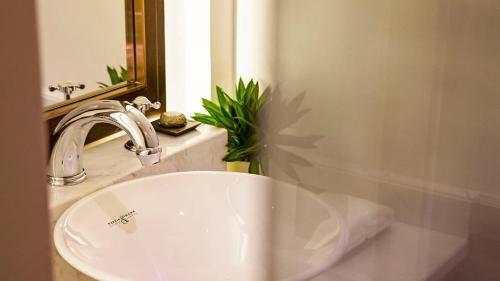 Relais & Chateaux Chaptel Hangzhou Hotel photo 2