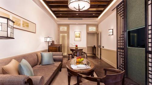 Relais & Chateaux Chaptel Hangzhou Hotel photo 9