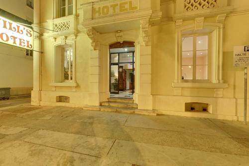 Will 39 s hotel h tel 23 avenue pierre semard 11100 - Inter hotel narbonne ...