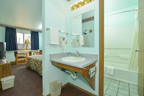 Americas Best Value Inn Tucumcari Photo