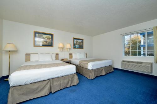 Econo Lodge Inn & Suites Corvallis Photo