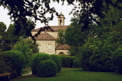 Viale San Maurizio, 39, 12058 Santo Stefano Belbo CN, Italy.