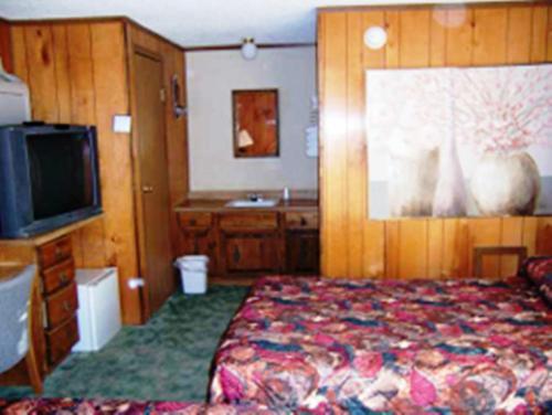 Free Breakfast Inn - Oakley, KS 67748