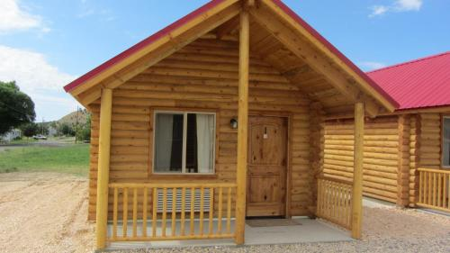 Hotels vacation rentals near sunrise point usa trip101 for Bryce canyon cabin rentals