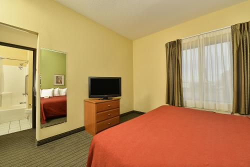 Quality Inn Joplin Photo