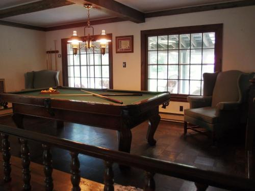 Admiral Peary Inn Bed & Breakfast Photo