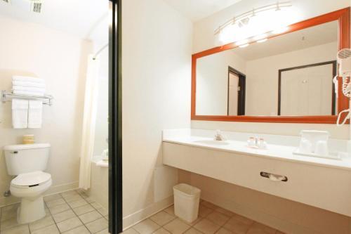 Quality Inn & Suites Airport West Salt Lake City Photo
