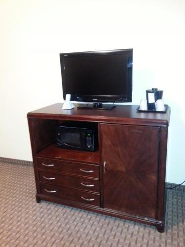 Quality Inn & Suites Houston photo 30