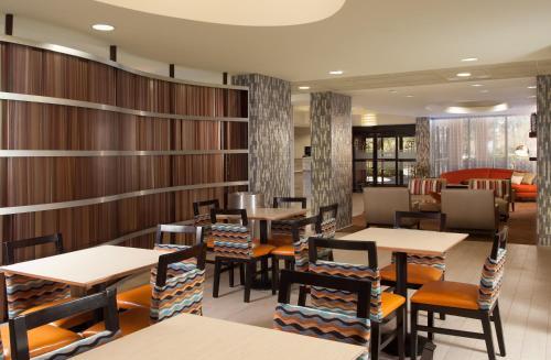 Hampton Inn Orlando-international Airport - Orlando, FL 32822