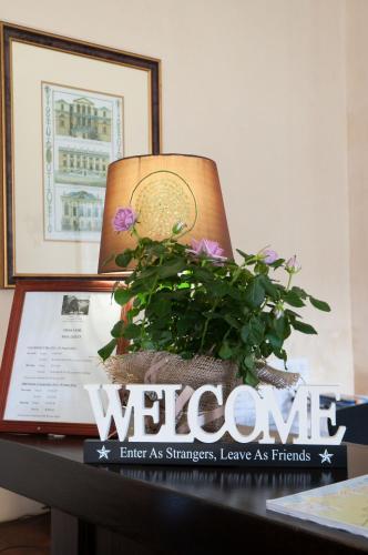 Altona Lodge Photo