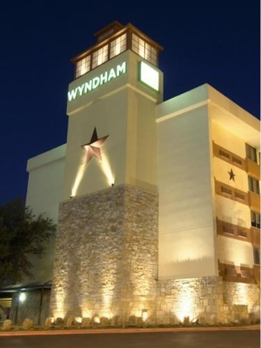 Wyndham Garden Hotel Austin photo 2
