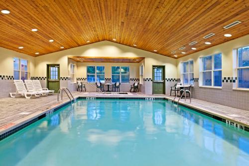 Country Inn & Suites by Radisson, Harrisburg Northeast (Hershey), PA Photo