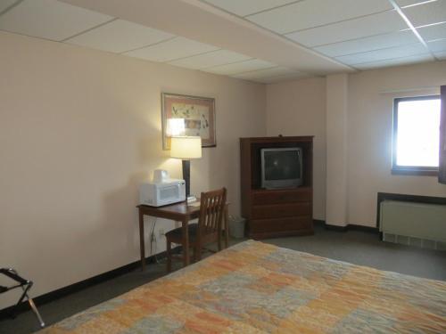 Newell Travel Center - Newton, KS 67114