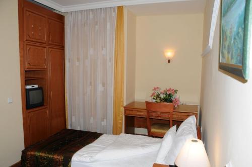 https://q-xx.bstatic.com/images/hotel/max500/265/26573655.jpg