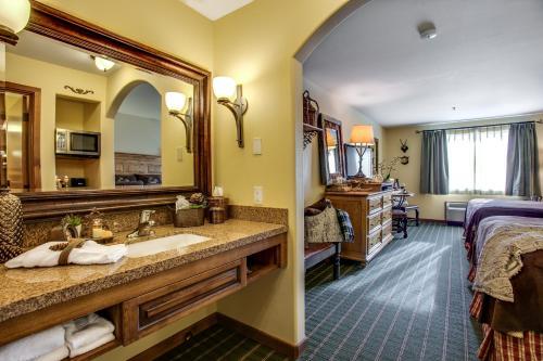 Bavarian Lodge - Leavenworth, WA 98826