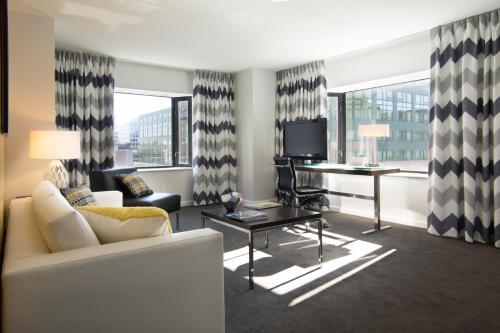 Brookshire Suites Inner Harbor, BW Premier Collection Photo