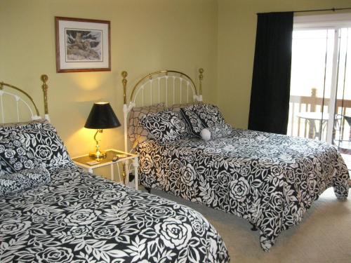 Blue Heron Chateau Bed & Breakfast Inn - Castle Rock, WA 98611