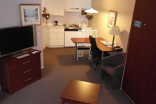 Hotel Quality Suites Photo