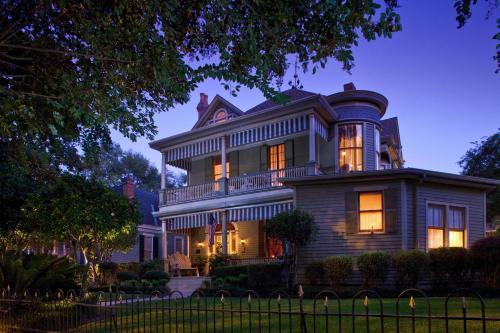 Devereaux Shields House - Natchez, MS 39120