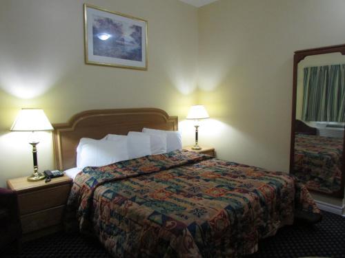 Wayfare Motel - Guelph, ON N1H 1G8