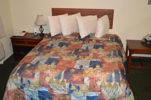 Purple Sage Motel - Snyder, TX 79549