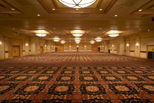 Doubletree Hotel Denver - Denver, CO 80207
