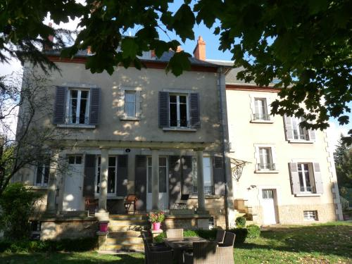 Hotel chambres d 39 h tes c t parc c t jardin nevers da for Chambre hote 95