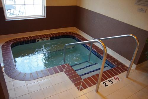 Grandstay Hotel & Suites - Ames, IA 50010