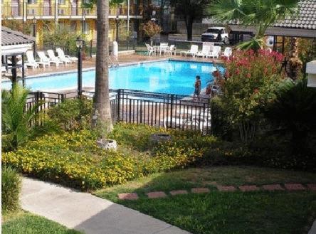 Americas Best Value Inn - Laredo - Laredo, TX 78041