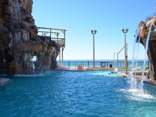 Days Inn By Wyndham Panama City Beach Ocean Front Hotel