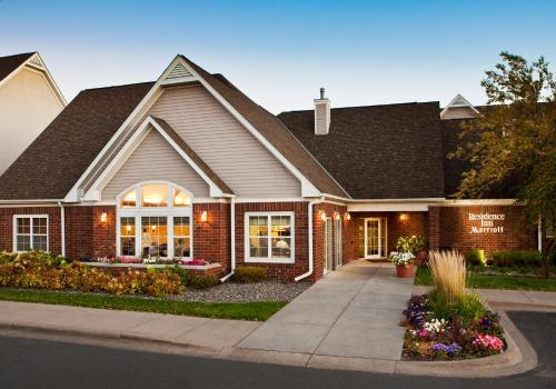 Residence Inn By Marriott Bloomington By Mall Of America - Bloomington, MN 55425