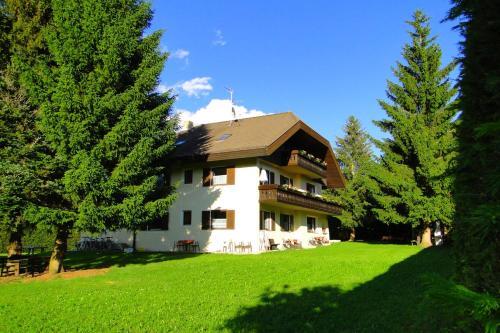 Hotel appartementhaus lechnerhof brunico da 82 volagratis for Residence bressanone centro