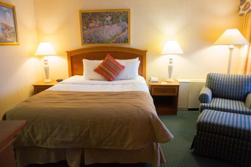 Clarion Inn University Plaza - Cedar Falls, IA 50613