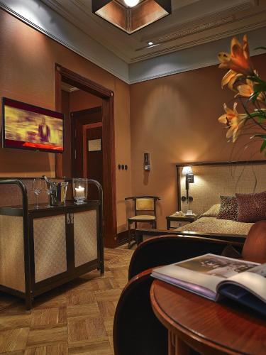 Rialto Hotel ul. Wilcza 73, 00-670 Warsaw, Poland.