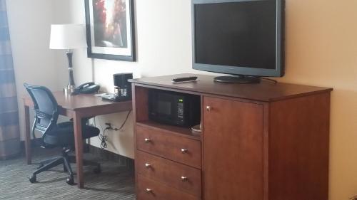 Grandstay Hotel & Suites- Parkers Prairie - Parkers Prairie, MN 56361