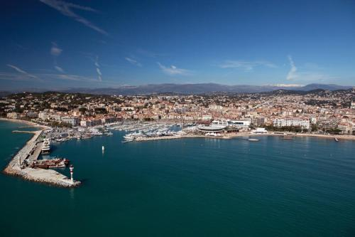 16 Rue Notre Dame, Cannes, 06400, France.