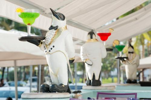 Penguin Hotel Photo