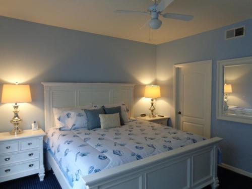 Runaway Beach Club Apartments - Kissimmee, FL 34746
