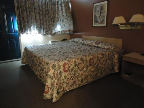 Canadian Motor Hotel - Sault Ste Marie, ON P6B 2V1
