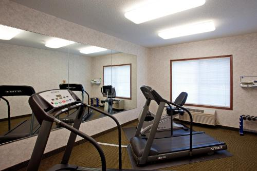 Country Inn & Suites By Radisson Elk River Mn - Elk River, MN 55330