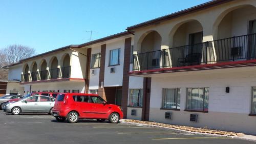Americas Best Inn & Suites Urbana Photo