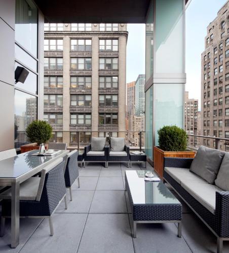 420 Park Ave South, New York, NY 10016, United States.