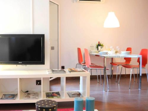 Your Home in Barcelona Apartments photo 8