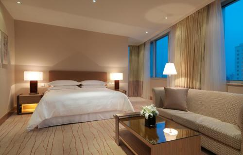Four Points by Sheraton Shanghai, Daning photo 2