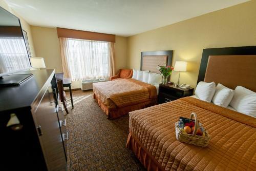 Best Western Escondido Hotel Photo